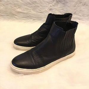STEVE MADDEN | Kaatlton Leather Hightop Sneaker